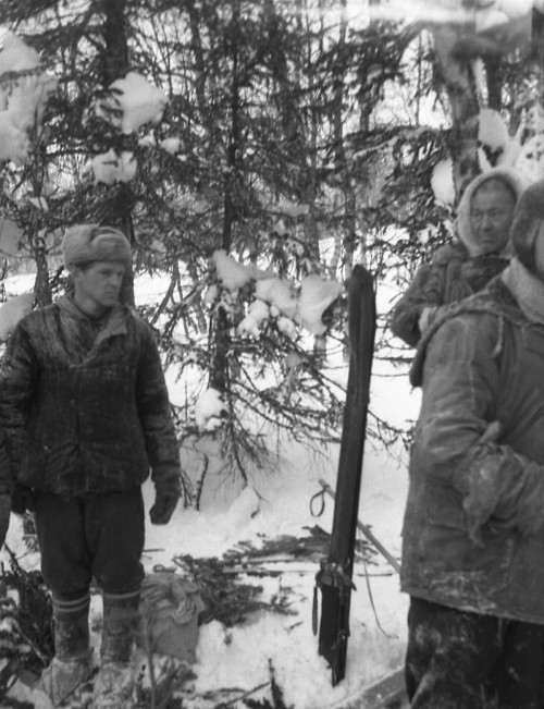 Dyatlov Pass: 2 Mar - Slobtsov and Kurikov found Dyatlov's depot 400 m from the rescue camp