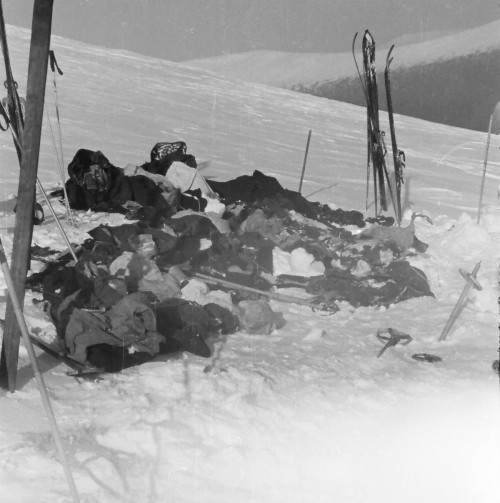 Dyatlov Pass: Items from Dyatlov tent, somewhere here is Evening Otorten - photo archive Lev Ivanov
