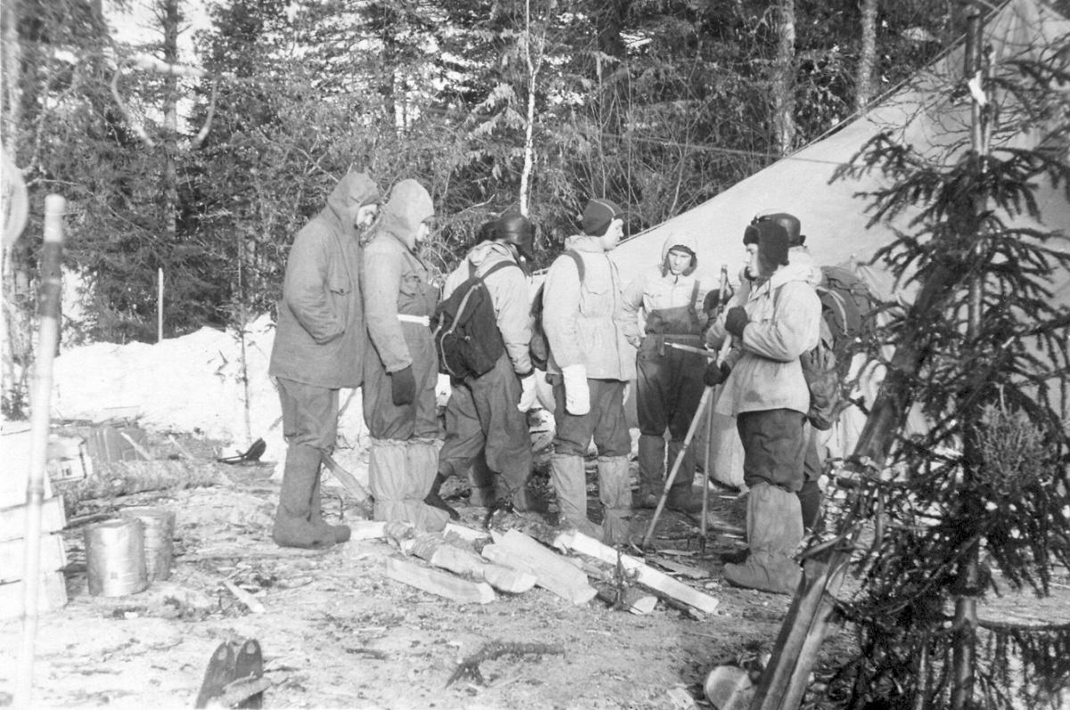 https://dyatlovpass.com/resources/340/gallery/Dyatlov-pass-1959-search-373.jpg