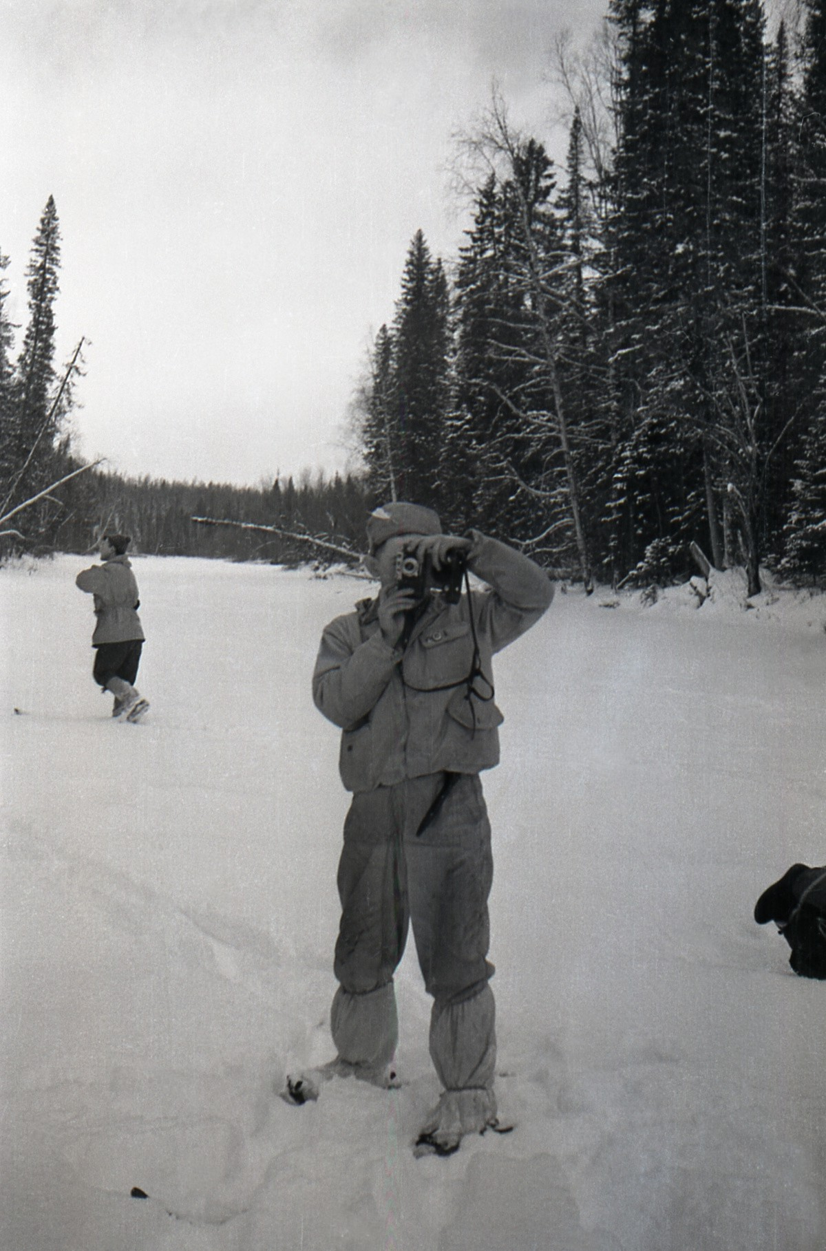 Krivonishchenko reverse angle taking a photo of Thibeaux-Brignolle