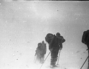 The group on the pass. Feb 1. ?, ?, ?, Slobodin, Dyatlov (with the tent), and Kolevatov.