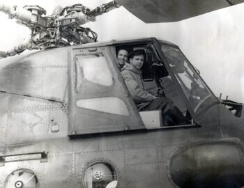 Askinadzi and Kuznetsov in the helicopter cockpit
