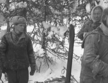2 Mar - Slobtsov and Kurikov found Dyatlov's depot 400 m from the rescue camp