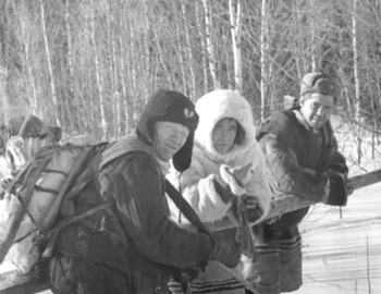 Forester Ivan Pashin, unknown Mansi and Aleksey Cheglakov, photo archive Vadim Brusnitsyn