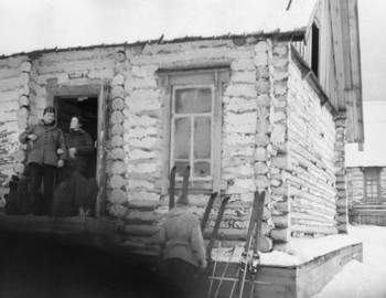 27 Jan 1959, 2nd Northern, Yudin and Zina, hikers are taking out their equipment from the dormitory