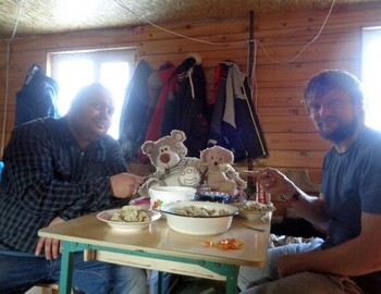 11.II.2019 - Seryozha and Kostya feeding Ural dumplings (Уральские пельмени) to the bears in Vizhay