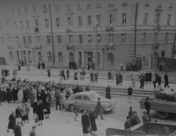 Funerals 12 May 1959, relatives behind Alexander Kolevatov coffin
