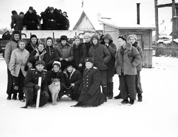 Collective photo of Dyatlov and Blinov groups